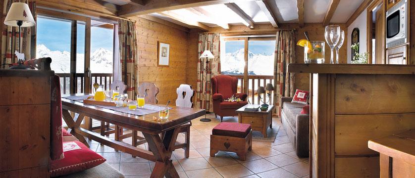 France_Les-Arcs_Les-Alpages-de-Chantel-Apartments_Living-area.jpg